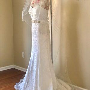 BRAND NEW gorgeous wedding dress